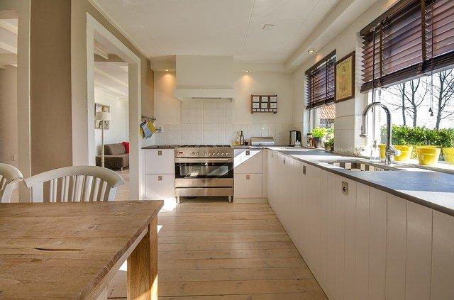 podwieszany sufit w kuchni